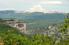 Gorges de la Nesque et mont Ventoux. Vaucluse. © serge Panarotto.